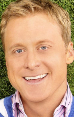 Full Alan Tudyk filmography who acted in the animated movie Ice Age.